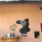 Créations destinées à un public familial avec des illustrations d'animaux pour plaire aux enfants - Restaurant La Savane Express - Planète Sauvage - Port Saint Père (44) - Label Communication